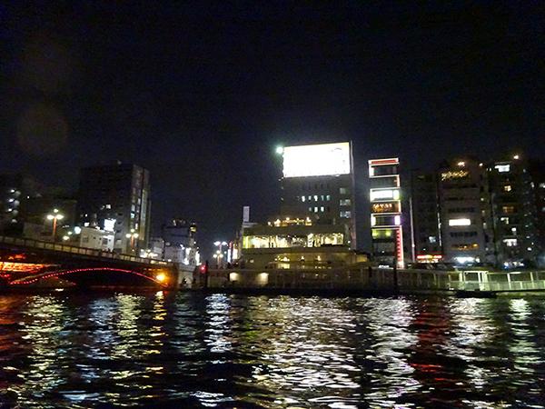 屋形船に乗って、夜桜隅田川クルーズ(前編)_f0097523_21544788.jpg