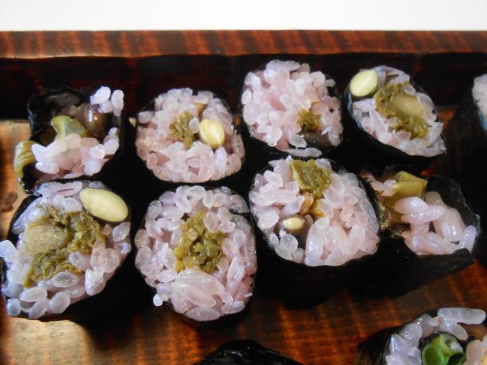 花見には花見寿司。すし飯はどうしても桜色にしたい。_a0095931_11434980.jpg