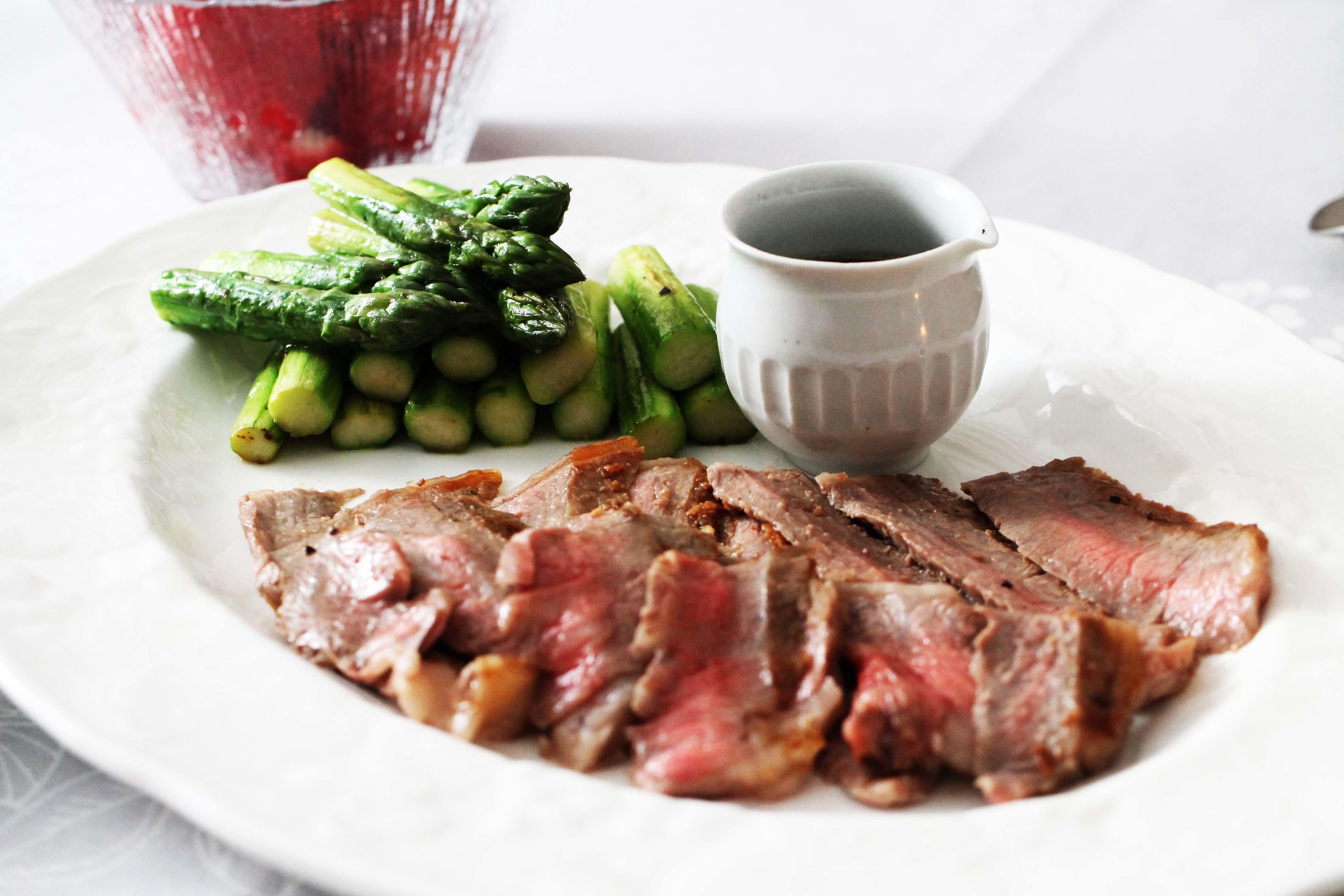 ローストビーフと赤いお野菜_d0377645_23275751.jpg