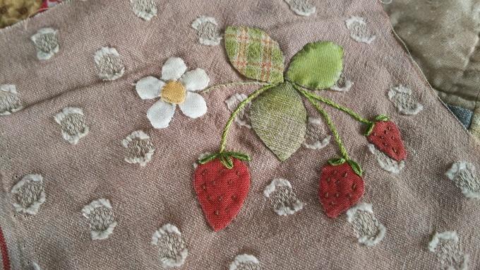 陶芸教室と苺のアップリケ♪_f0374160_21205826.jpg