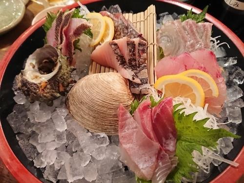 九州といえば美味しいお魚!魚市場仲卸直営 丸秀鮮魚店 博多店_c0100865_14305690.jpg