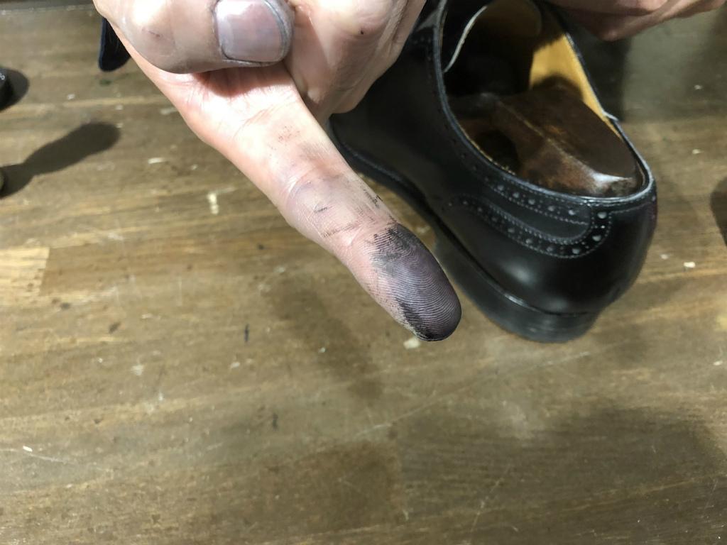 コラム-ハイシャインはもう古い?~靴の磨きの新定番ハンドポリッシュのお話』_b0365069_19081559.jpg