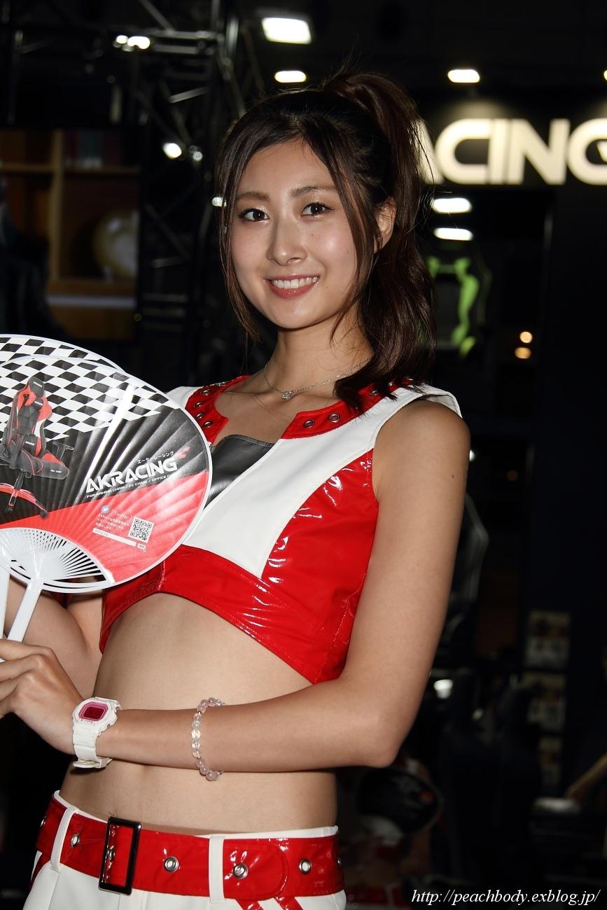 嶋田美彩 さん(AKRacing ブース)_c0215885_22324768.jpg
