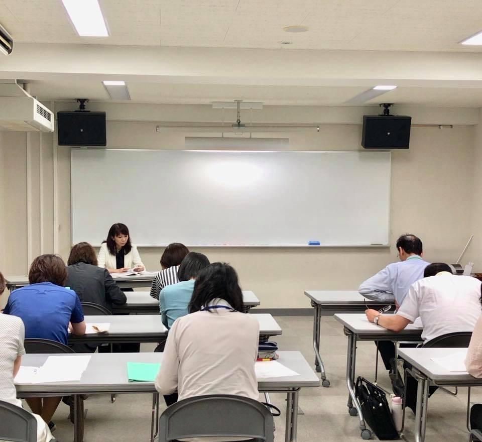 公立の小中高校の先生を対象に英語研修を実施_d0375694_17521836.jpg
