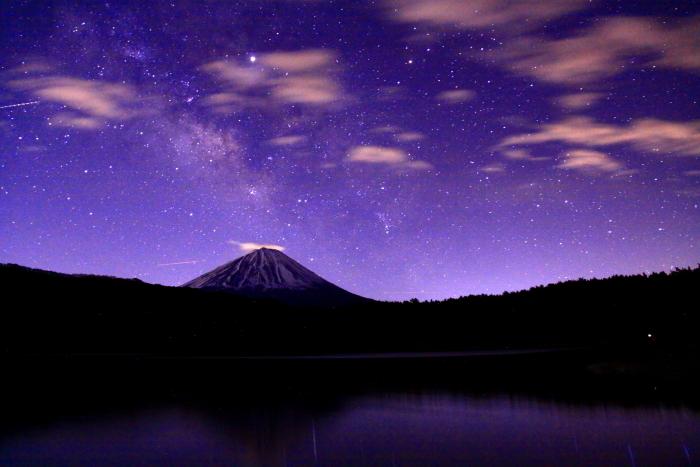 31年4月の富士(1)西湖の夜空と富士_e0344396_17040288.jpg