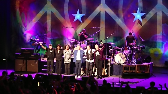 4/5 RINGO STARR And His All Starr Band @ TOKYO DOME CITY HALL_b0042308_02511724.jpg