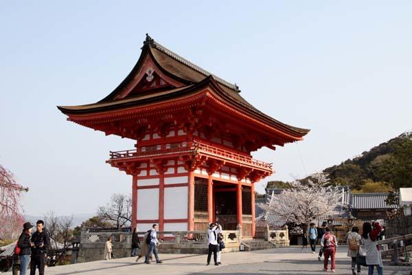 桜が揃った 清水寺_e0048413_21543505.jpg
