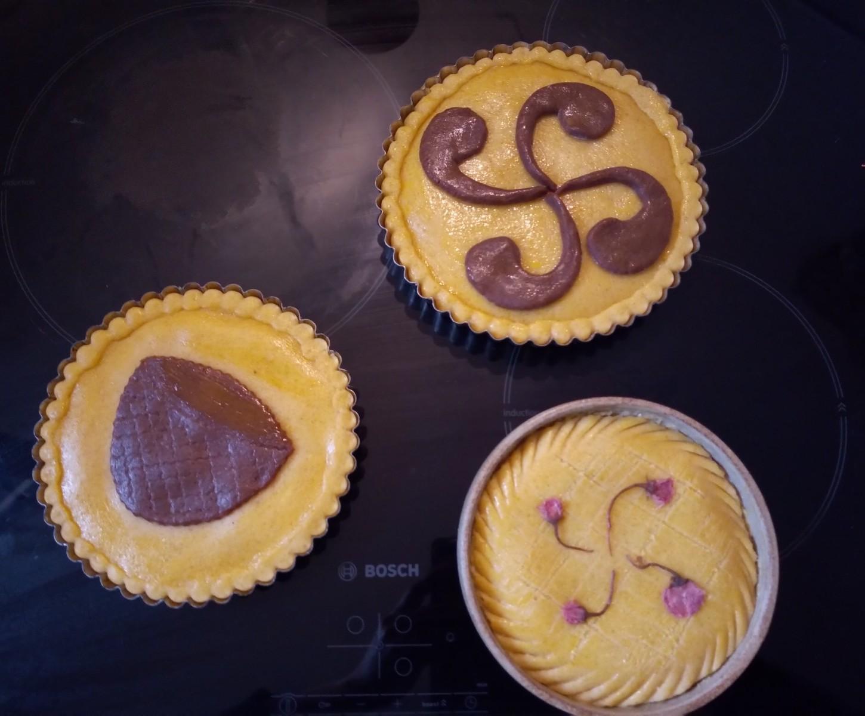 抹茶とガトーバスク  Matcha et  gâteau basque_e0243221_22442066.jpg