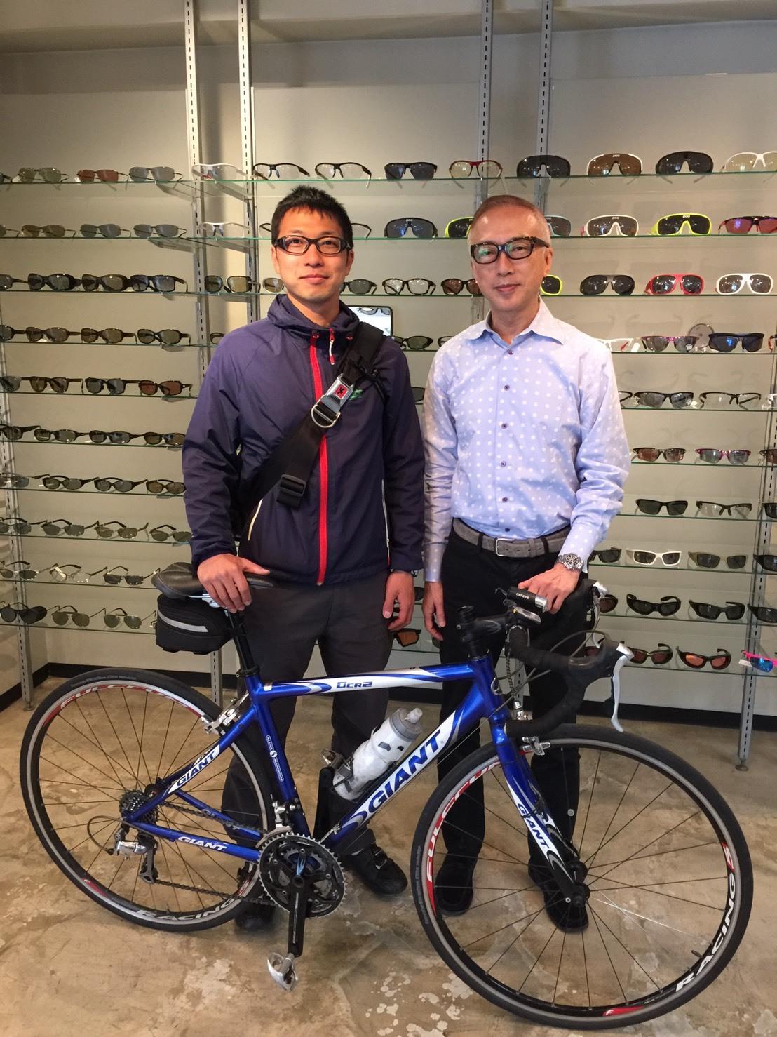自転車で世界一周の本石さん南米へ入国_e0304942_09424727.jpg