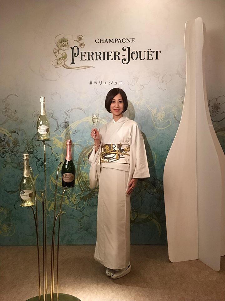 "\""Champagne Perrier-Jouët新ボトルデザイン\""ローンチパーティー 🥂_a0138976_11441475.jpg"