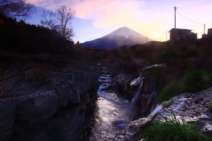 31年4月の富士(4)精進川の小滝と富士_e0344396_18383516.jpg