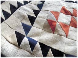リネンやヘンプ、藍染め布の切れ端でキルト作り その2_d0221430_16454524.jpg