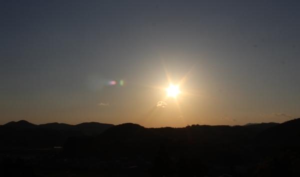 新元号発表の日の空_a0174458_22454875.jpg