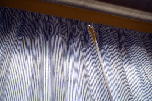 リネンのカーテン_e0243765_13404234.jpg