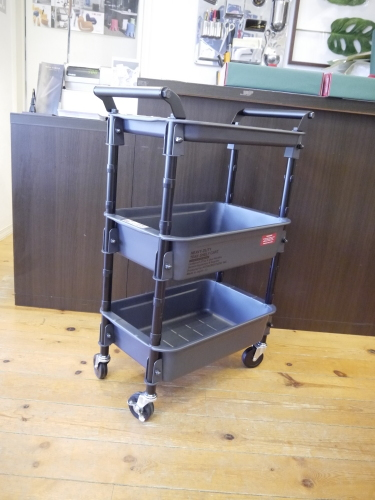 ARTWORK STUDIO HEAVY-DUTY tray-shelf cart_b0125570_11183368.jpg