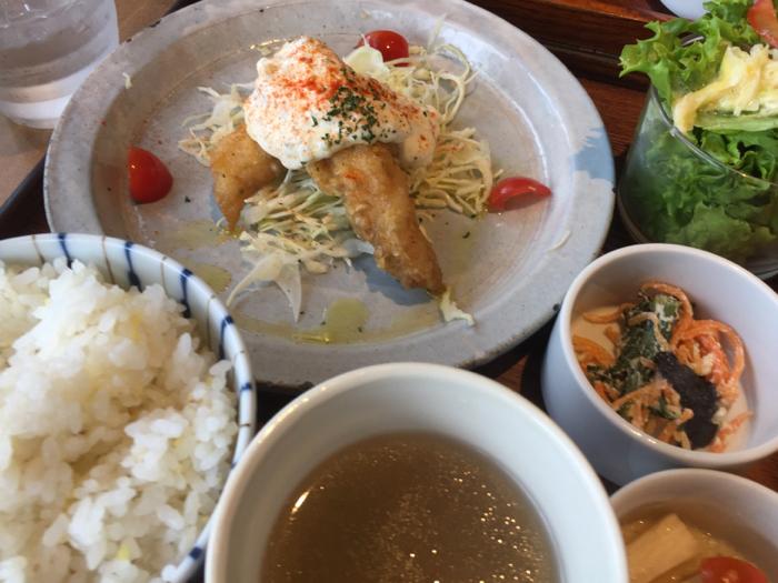 今日はカフェに夕飯にと、外食三昧の1日、岡崎もまた楽し〜_b0175688_21313720.jpg