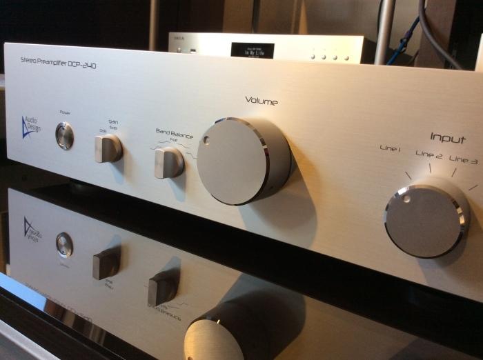 フルバランス構成のプリアンプ AUDIO DESIGN (オーディオデザイン) DCP-240 を試聴できます。_b0292692_14032896.jpg
