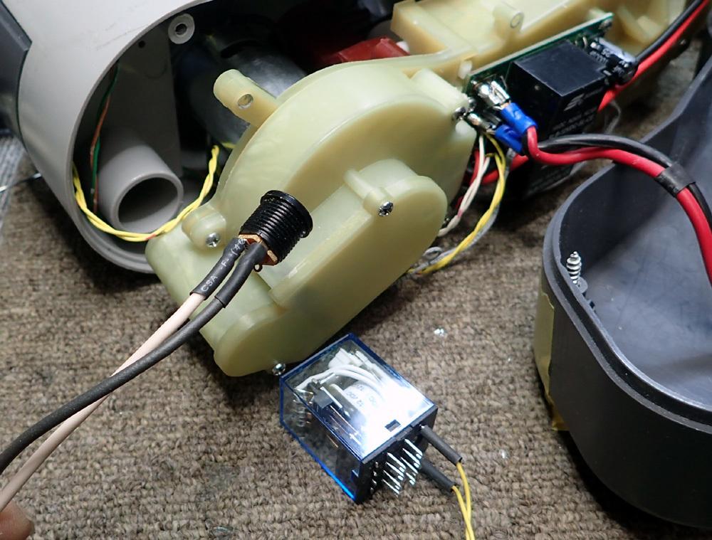 高圧エアポンプ防音ケース・完成。 2019年4月11日(木)_d0171823_19433834.jpg