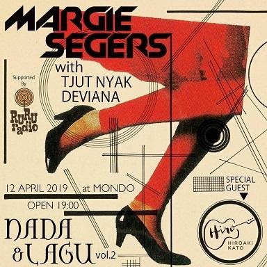 インドネシアのジャズ歌手・MARGIE SEGERS with TJUT NYAK DEVIANAのライブ@ジャカルタMONDO by The Rooftop 4/12_a0054926_07081339.jpg