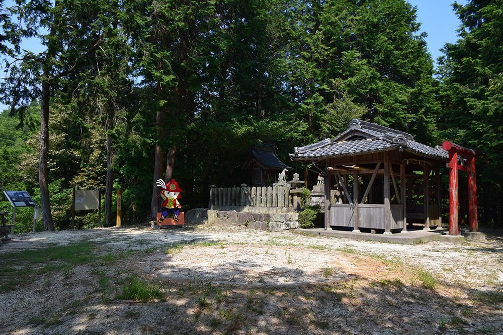 黒田官兵衛の生誕地と伝わる播磨黒田城跡を訪ねて。_e0158128_23183807.jpg