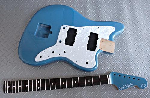 Guitar × 4種とBass × 2種の塗装が完了しました!_e0053731_17231951.jpg