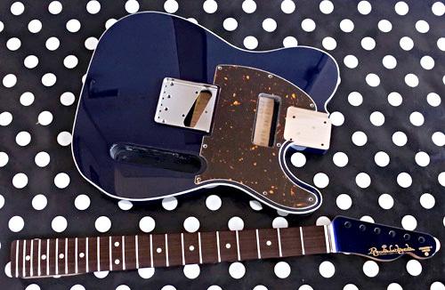 Guitar × 4種とBass × 2種の塗装が完了しました!_e0053731_17233063.jpg
