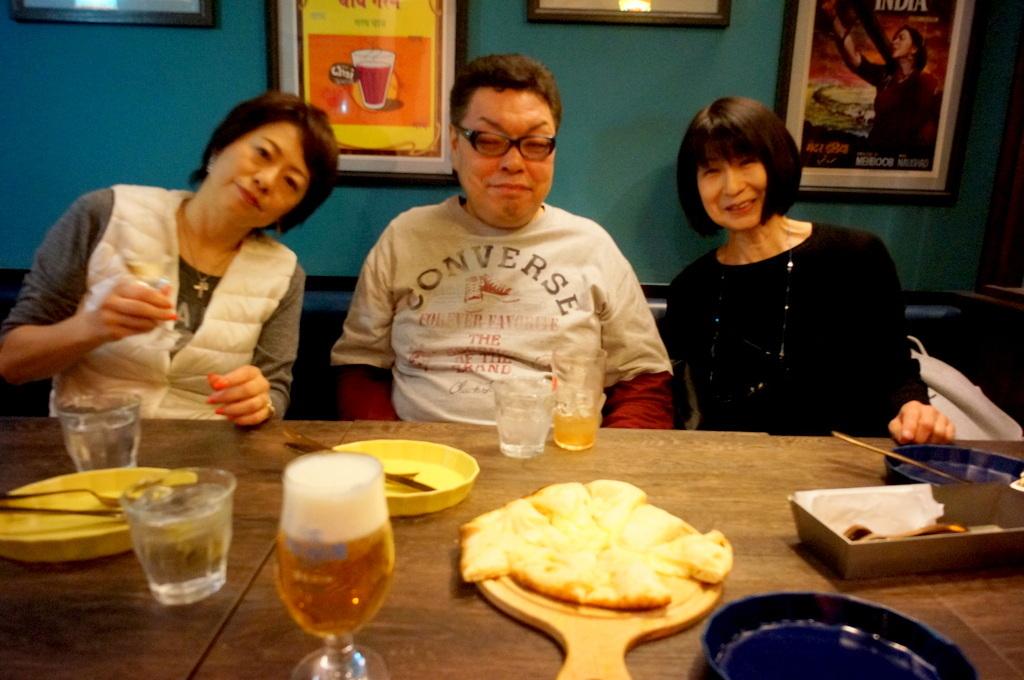 上野の櫻、さんさき坂カフェ、そして外堀土手から靖国神社_c0180686_11395925.jpg