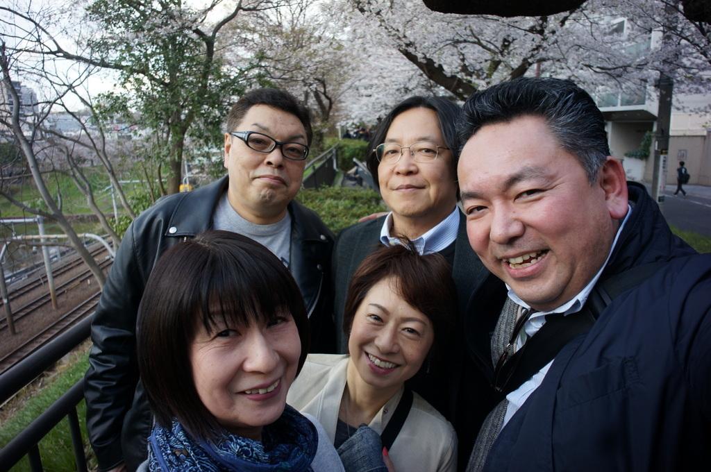 上野の櫻、さんさき坂カフェ、そして外堀土手から靖国神社_c0180686_11410564.jpg