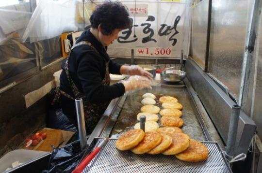 【ソウル旅行④ 広蔵市場】_f0215714_16482255.jpg