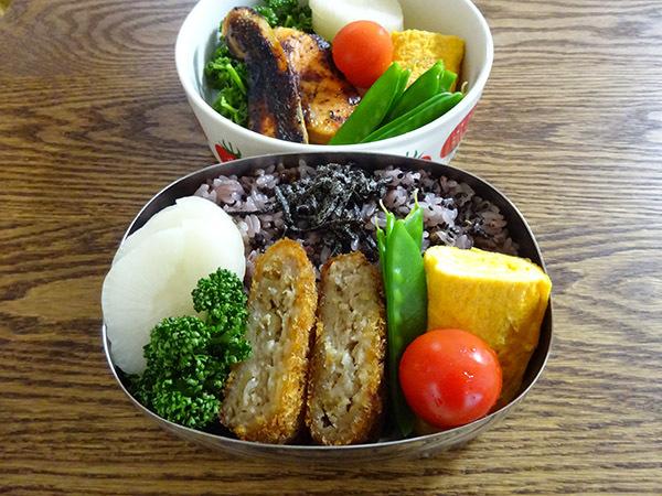 今週の弁当と、散りゆく目黒川の桜_f0097523_15071941.jpg