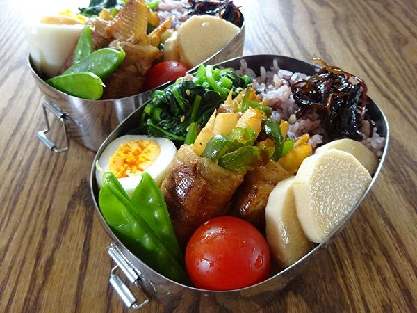 今週の弁当と、散りゆく目黒川の桜_f0097523_15073836.jpg