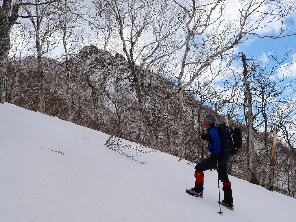恵庭岳西峰、2019.4.11_f0138096_22410124.jpg