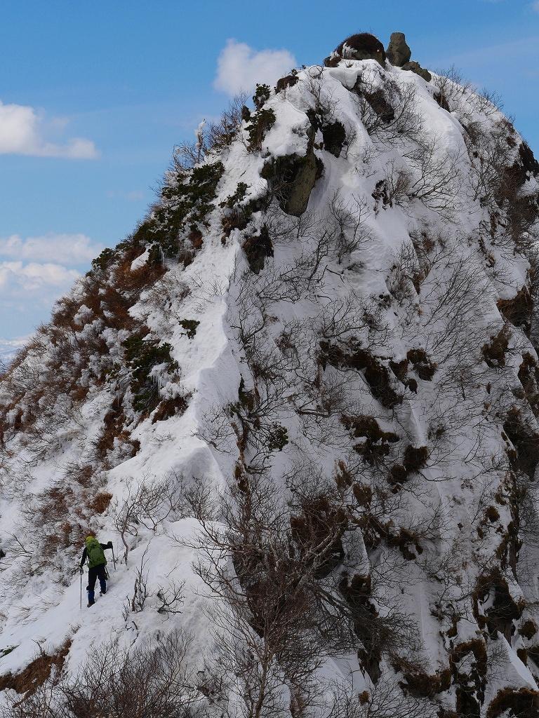 恵庭岳西峰、2019.4.11_f0138096_22415851.jpg