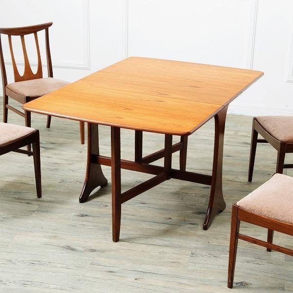 おひとりさま老後の住居事情を考える10 家具や絵などを買った_f0234423_15544316.jpg