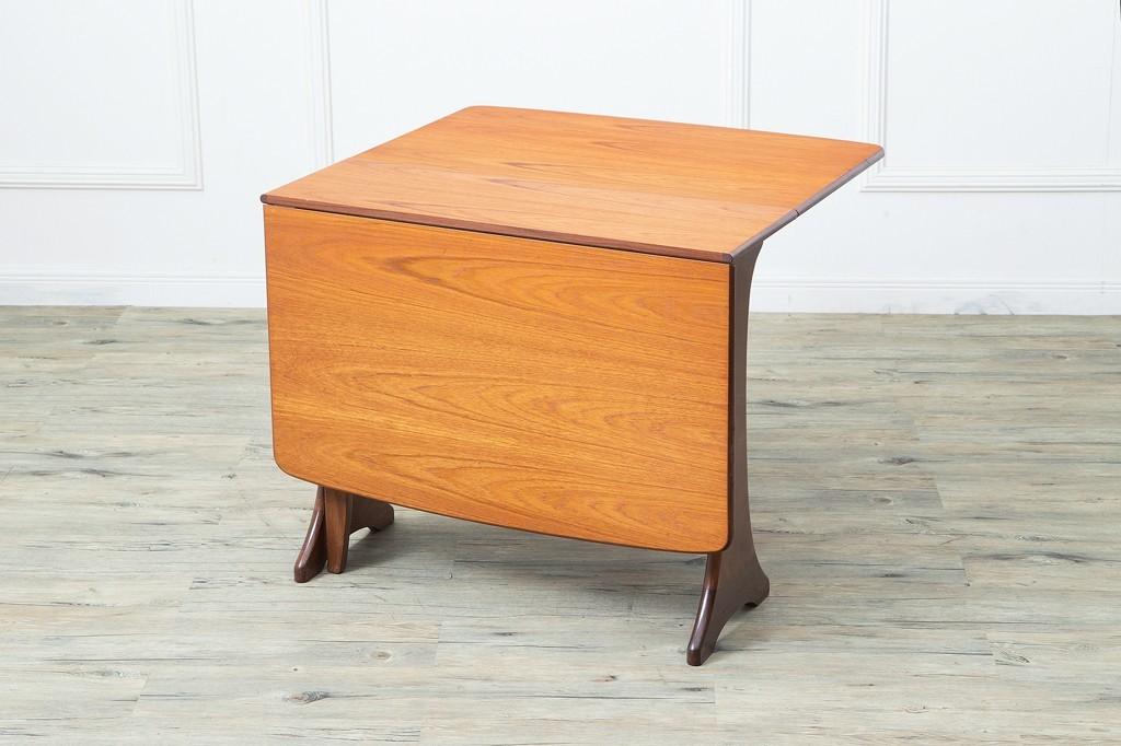 おひとりさま老後の住居事情を考える10 家具や絵などを買った_f0234423_15552356.jpeg