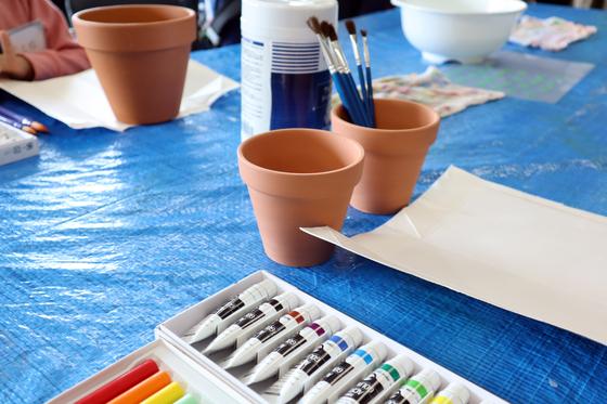 やと子ども美術教室 ~ 植木鉢に描く ~_e0222340_14153360.jpg