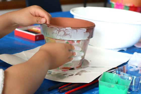 やと子ども美術教室 ~ 植木鉢に描く ~_e0222340_14264936.jpg