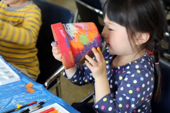 やと子ども美術教室 ~ 植木鉢に描く ~_e0222340_14363265.jpg