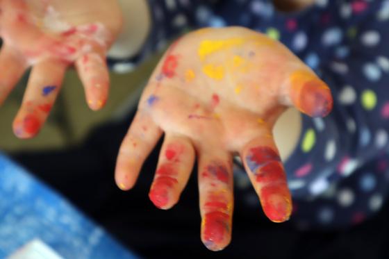 やと子ども美術教室 ~ 植木鉢に描く ~_e0222340_14364485.jpg