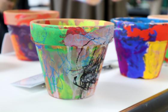 やと子ども美術教室 ~ 植木鉢に描く ~_e0222340_14393530.jpg