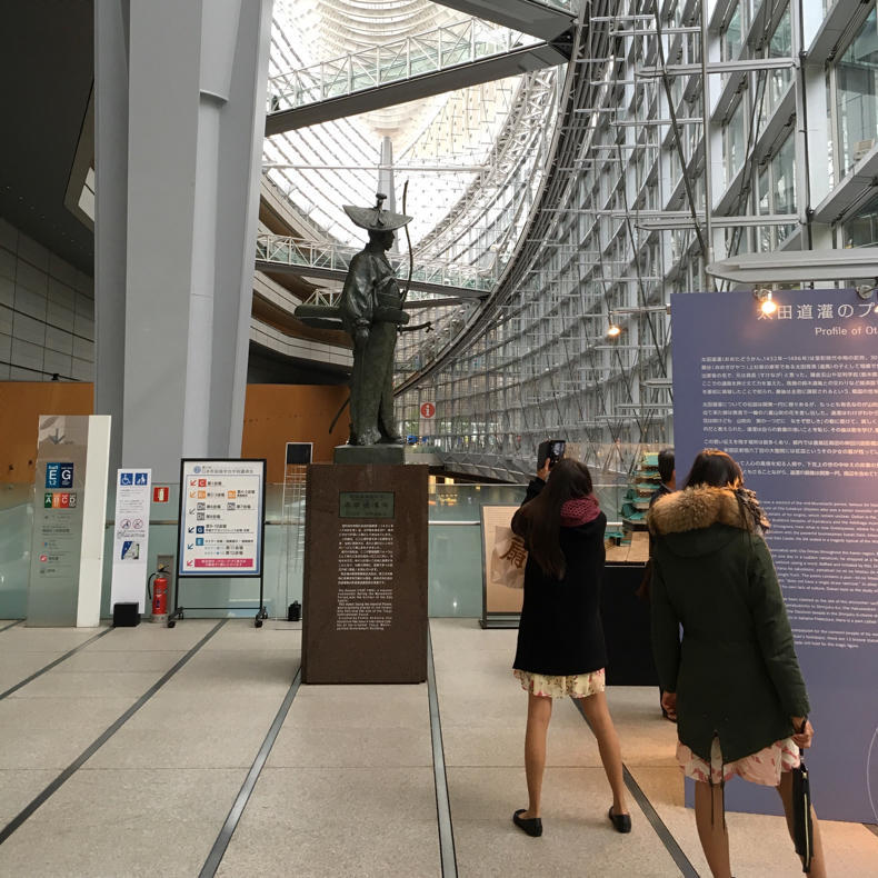 山手線散歩、東京駅から新橋駅へ_c0060143_18473275.jpg