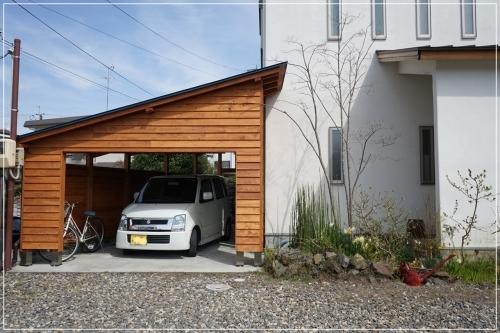 **木製オリジナルガレージ**_c0207890_13571067.jpg