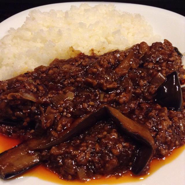 麻婆茄子飯、味は濃いめ麻辣は控えめで。_a0334793_07461998.jpg