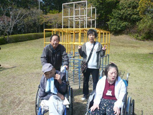 4/12 天啓公園_a0154110_08494488.jpg