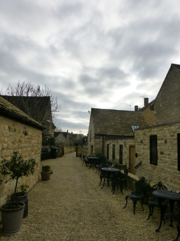 イギリス旅行記4日目【Chipping Campden-Bantam Tea Rooms】_e0237625_12332517.jpg
