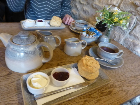 イギリス旅行記4日目【Chipping Campden-Bantam Tea Rooms】_e0237625_12355386.jpg