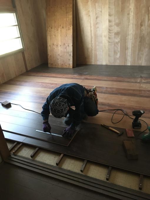 娘の部屋その8。畳の部屋の床貼りです。_f0182246_13334971.jpg