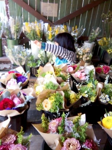 御代田のおしゃれなお花屋さんに行ってきた_c0110869_12455143.jpg