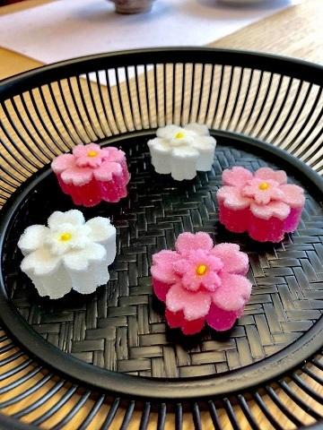 【名残の桜~伊と和の融合カジュアルお抹茶会】_e0078071_14385900.jpg