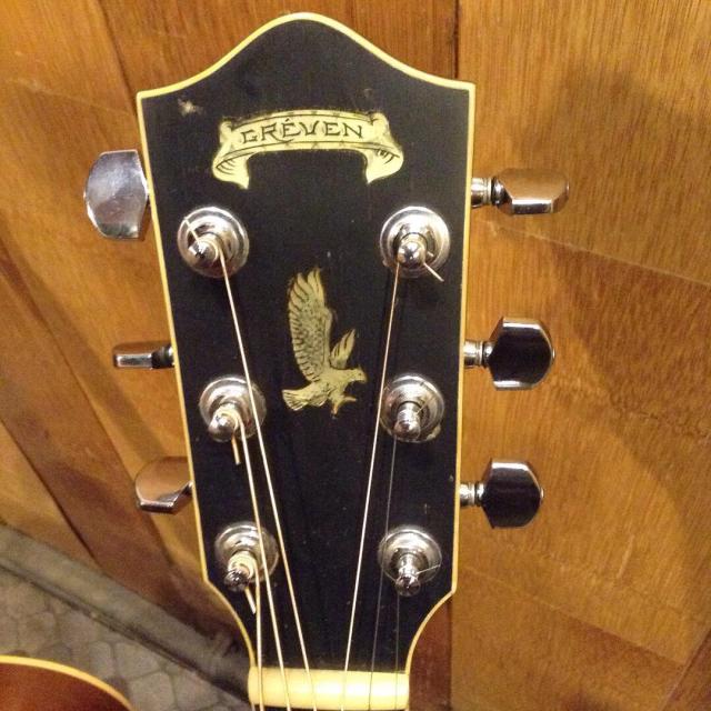 良いギターに囲まれる幸せ、だけど身体はひとつ指は10本ですから。_a0334793_11403430.jpg